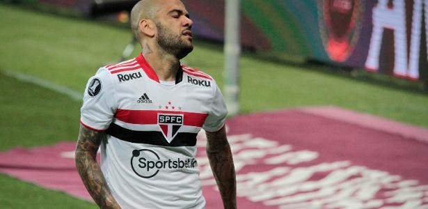 Daniel Alves fora do São Paulo